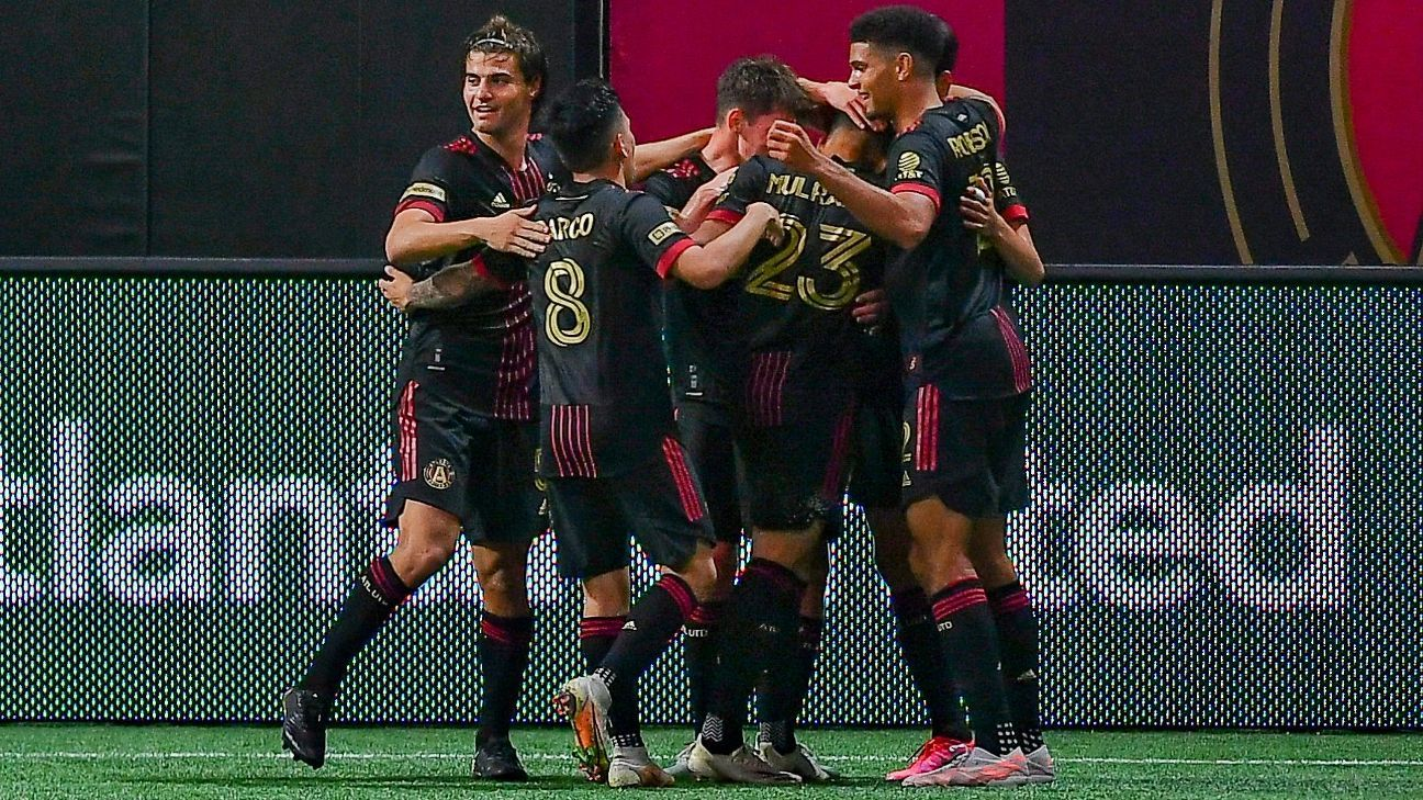 Atlanta United eases to victory against Chicago Fire