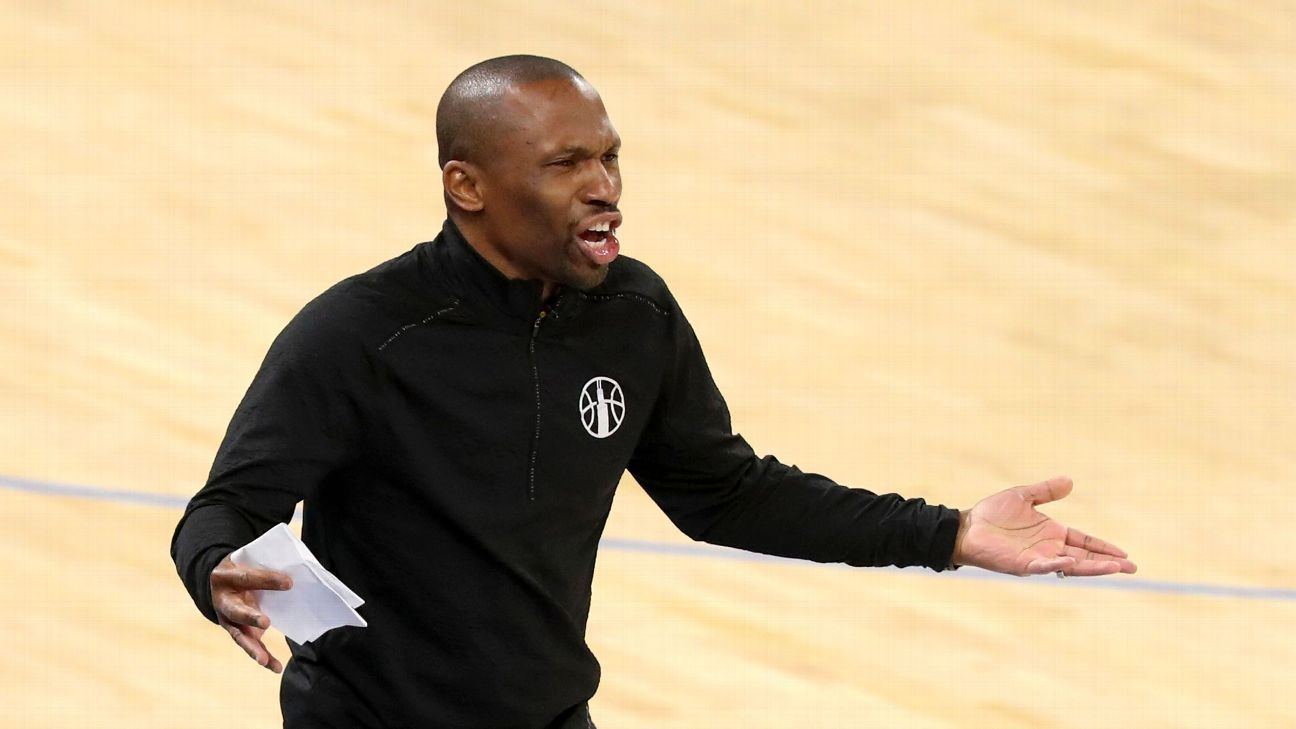 Chicago Sky coach James Wade says official referred to him in derogatory manner