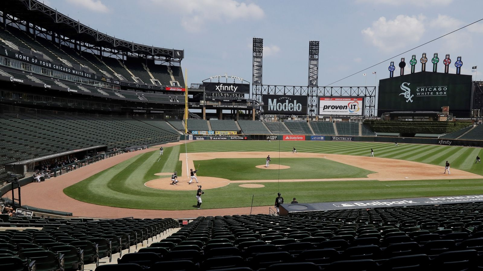 Chicago White Sox giving away free tickets at pop-up COVID vaccine event for series against Toronto Blue Jays
