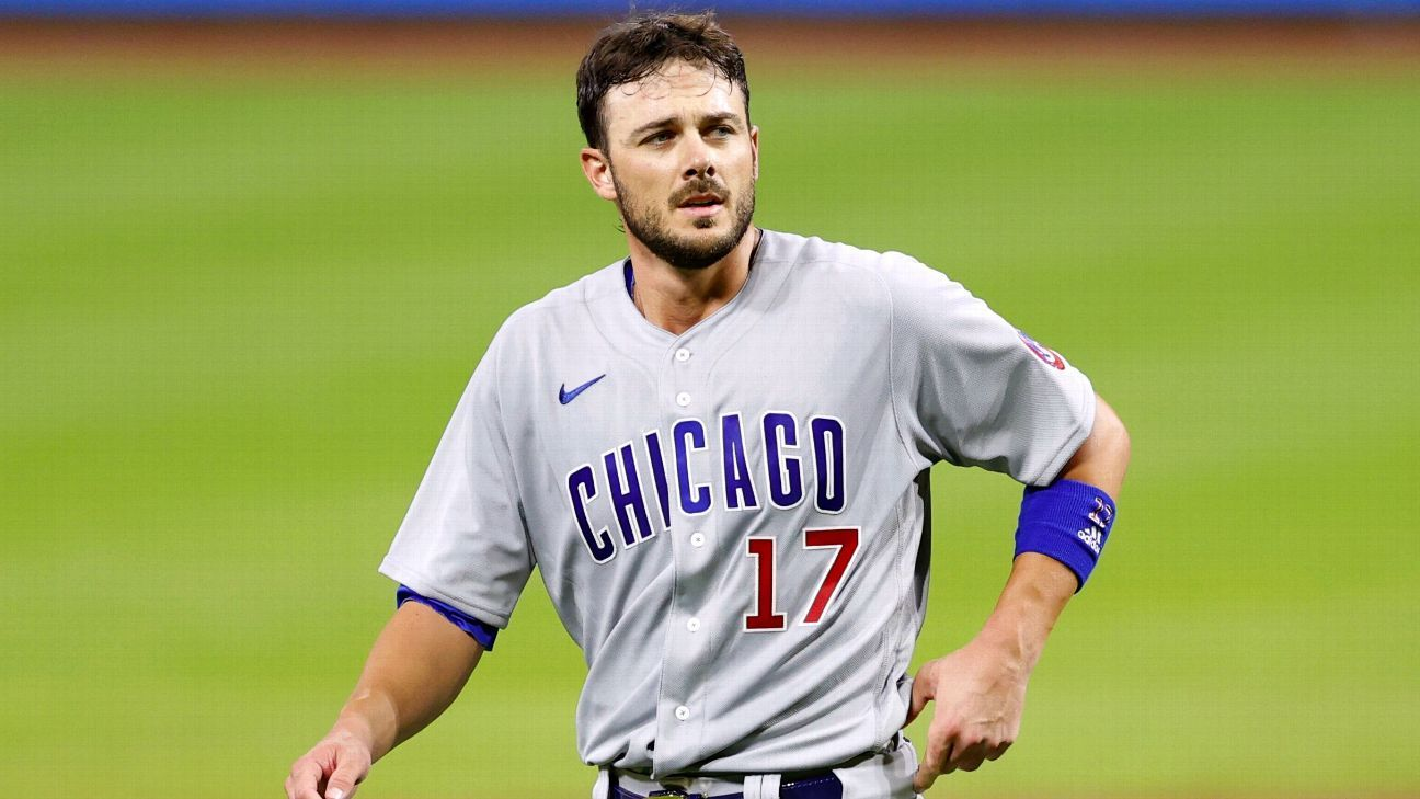 Cubs' Kris Bryant leaves with bruised right hand after hit by pitch