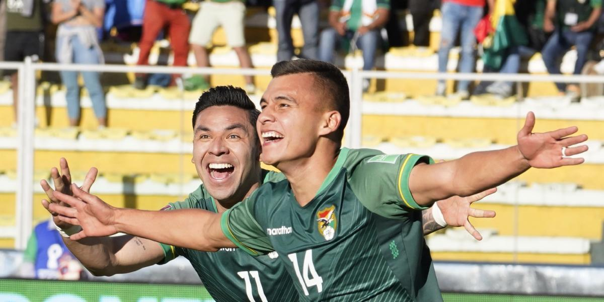 Bolivia thrashes Paraguay and takes air (4-0)